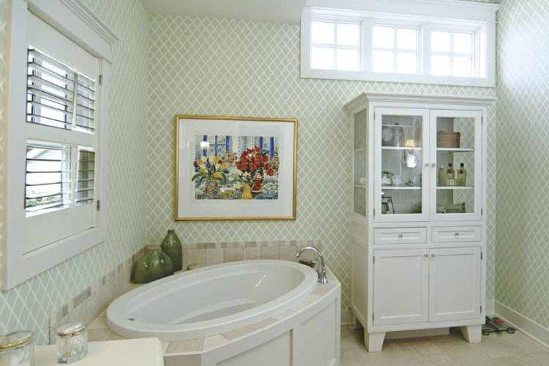 Craftsman Interior - Master Bathroom Plan #928-48 - Houseplans.com
