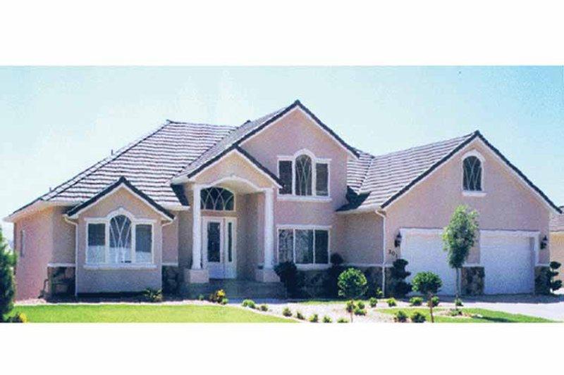 Traditional Exterior - Front Elevation Plan #945-40 - Houseplans.com