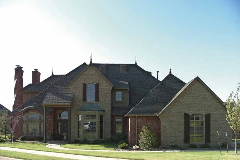 House Plan Design - European Exterior - Front Elevation Plan #310-1126