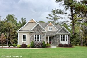 Ranch Exterior - Front Elevation Plan #929-1013