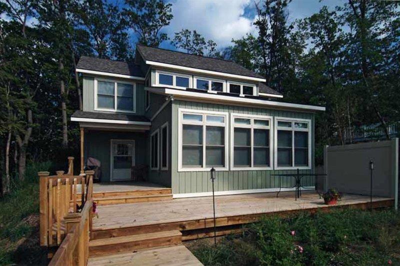 House Plan Design - Traditional Exterior - Rear Elevation Plan #928-105