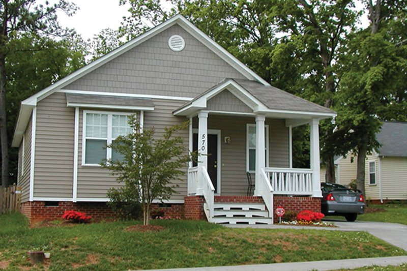 Home Plan - Craftsman Exterior - Front Elevation Plan #936-16