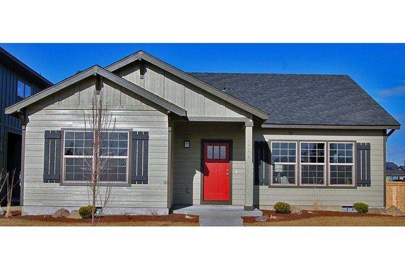 House Plan Design - Craftsman Photo Plan #895-15