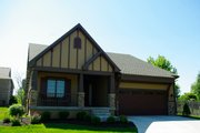 Craftsman Style House Plan - 3 Beds 2 Baths 1452 Sq/Ft Plan #20-2269 Exterior - Front Elevation