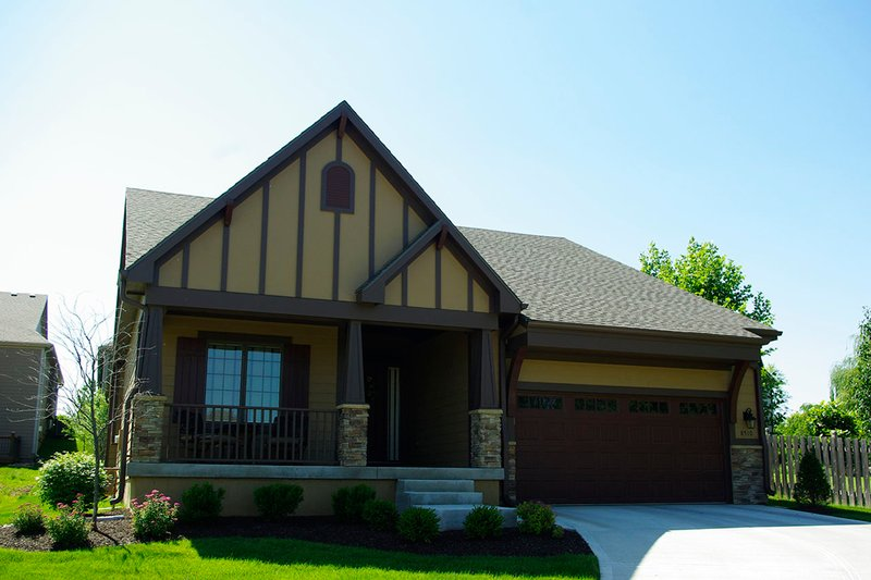 Architectural House Design - Craftsman Exterior - Front Elevation Plan #20-2269