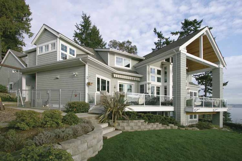 Craftsman Exterior - Rear Elevation Plan #132-485 - Houseplans.com
