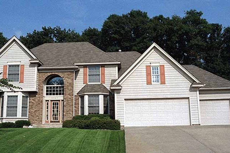 Dream House Plan - Traditional Exterior - Front Elevation Plan #51-886