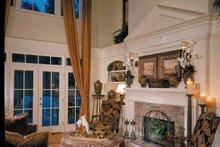 Colonial Interior - Family Room Plan #429-313