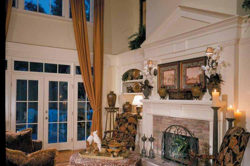 Colonial Interior - Family Room Plan #429-313 - Houseplans.com