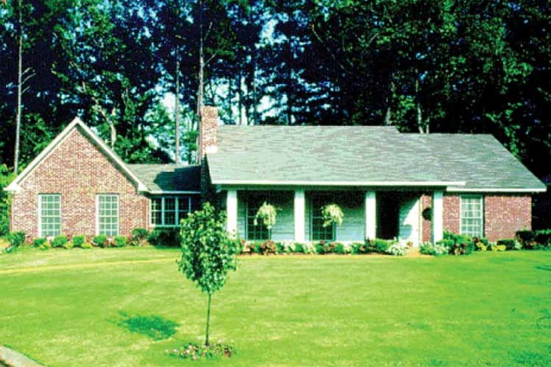 Country Exterior - Front Elevation Plan #36-610 - Houseplans.com