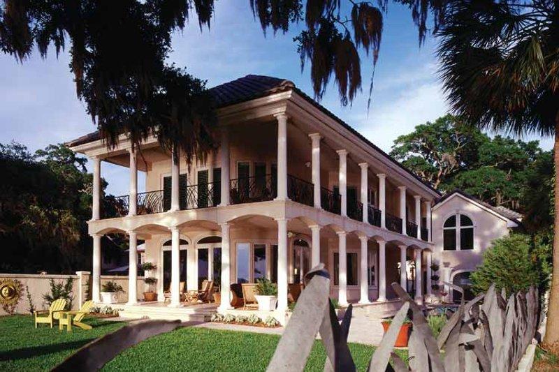 Mediterranean Style House Plan 3 Beds 2 5 Baths 2909 Sq