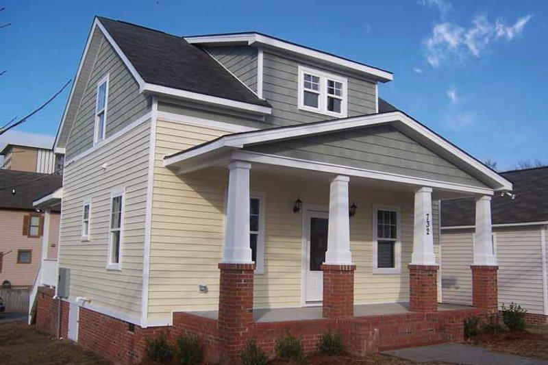 Craftsman Exterior - Front Elevation Plan #936-11 - Houseplans.com