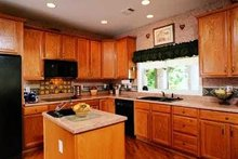 House Plan Design - Modern Photo Plan #72-324