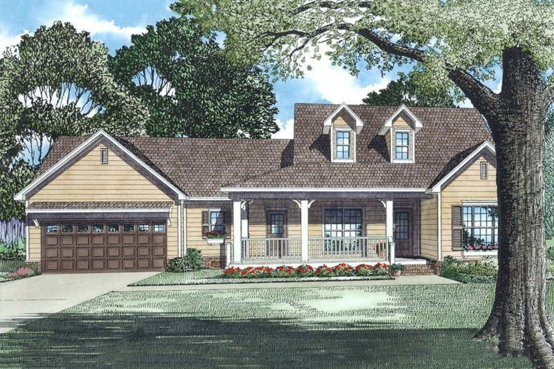 House Plan Design - Front view of 1800 square foot Traditional home