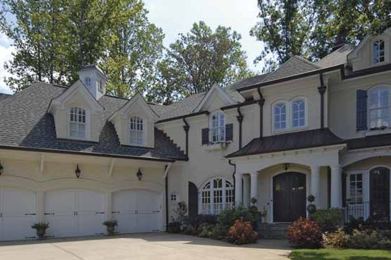 Traditional Exterior - Front Elevation Plan #54-322 - Houseplans.com