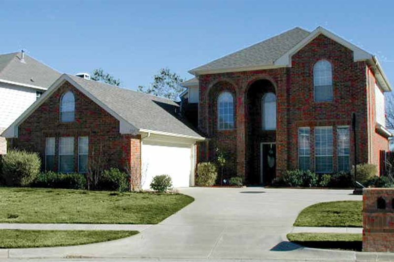 Traditional Exterior - Front Elevation Plan #84-702 - Houseplans.com