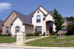 Traditional Exterior - Front Elevation Plan #84-708