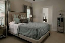 Traditional Interior - Bedroom Plan #928-111