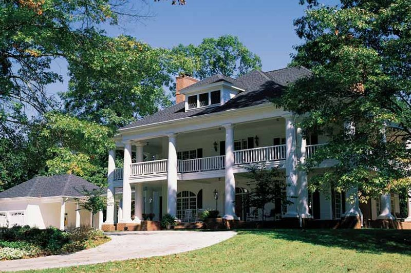 Classical Style House Plan - 4 Beds 3.5 Baths 5084 Sq/Ft Plan #71-146 Exterior - Front Elevation