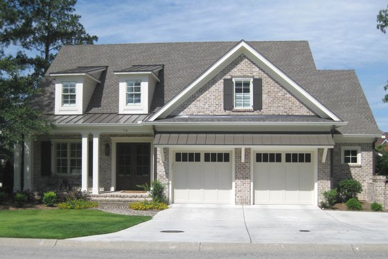 Craftsman Exterior - Front Elevation Plan #1054-38