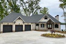House Plan Design - Craftsman Exterior - Front Elevation Plan #437-124