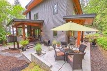 Contemporary Exterior - Outdoor Living Plan #1070-7