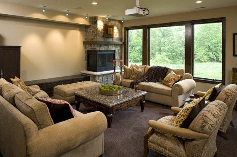 Traditional Interior - Family Room Plan #56-605 - Houseplans.com
