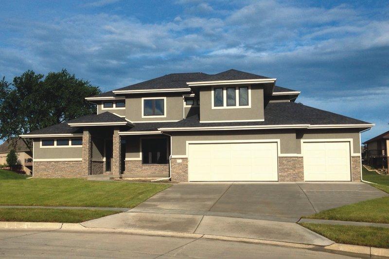House Plan Design - Modern Exterior - Front Elevation Plan #20-2268