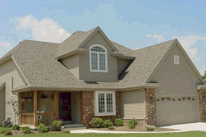 Traditional Exterior - Front Elevation Plan #20-536
