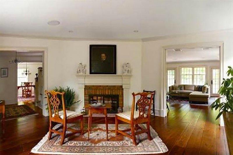 Colonial Interior - Family Room Plan #137-207 - Houseplans.com