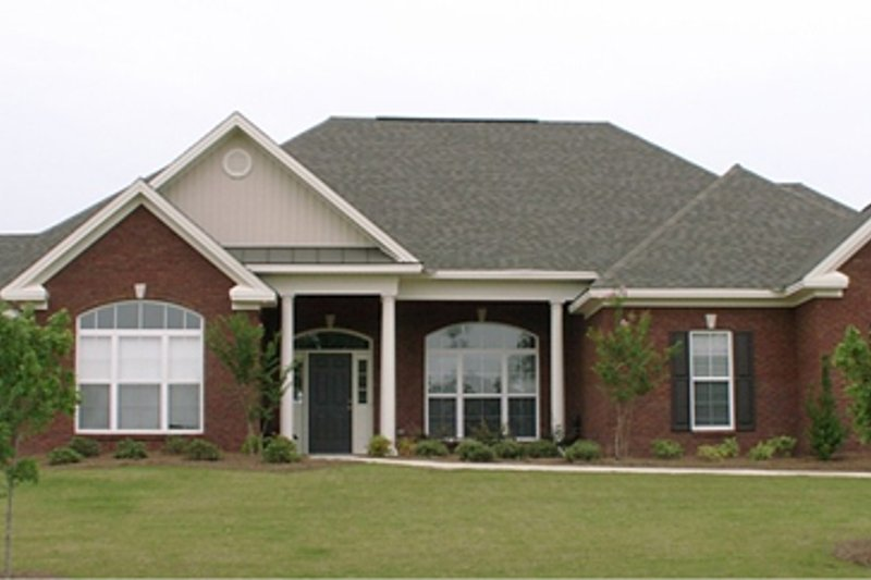 European Style House Plan - 4 Beds 2.5 Baths 2432 Sq/Ft Plan #63-187 Exterior - Front Elevation