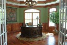 Dream House Plan - Traditional Photo Plan #119-234