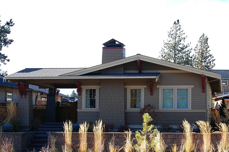 Architectural House Design - Craftsman Exterior - Front Elevation Plan #895-94