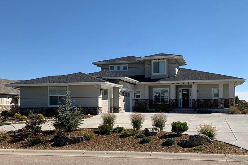 Architectural House Design - Prairie Exterior - Front Elevation Plan #1069-10