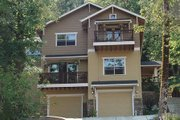 Craftsman Style House Plan - 4 Beds 2.5 Baths 2559 Sq/Ft Plan #124-549 Exterior - Front Elevation