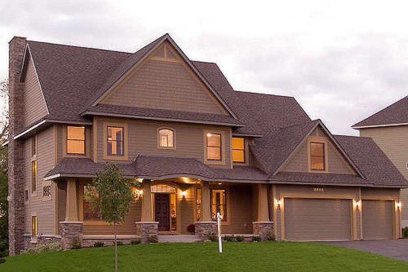 Craftsman Style House Plan - 4 Beds 3.5 Baths 3770 Sq/Ft Plan #56-583 Exterior - Front Elevation