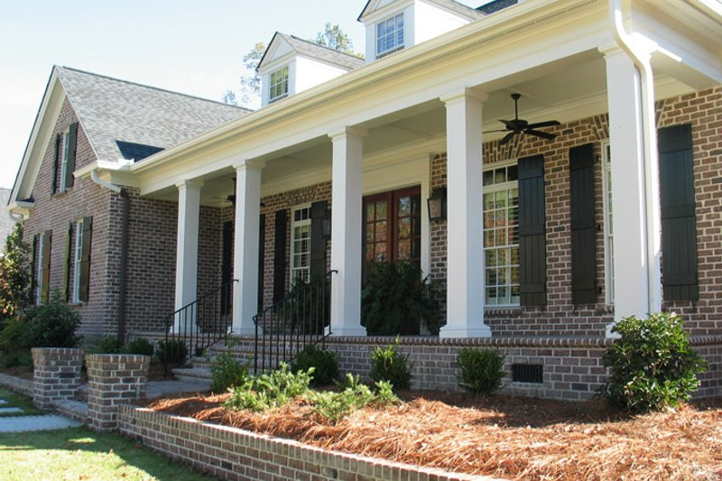 Country Exterior - Front Elevation Plan #1054-16 - Houseplans.com