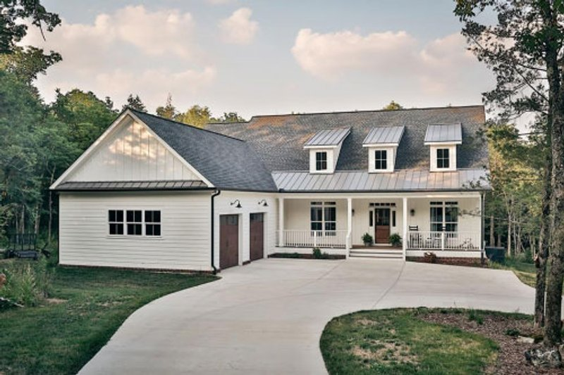 Home Plan - Country Exterior - Front Elevation Plan #923-70