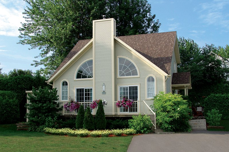 Modern Exterior - Front Elevation Plan #23-2029