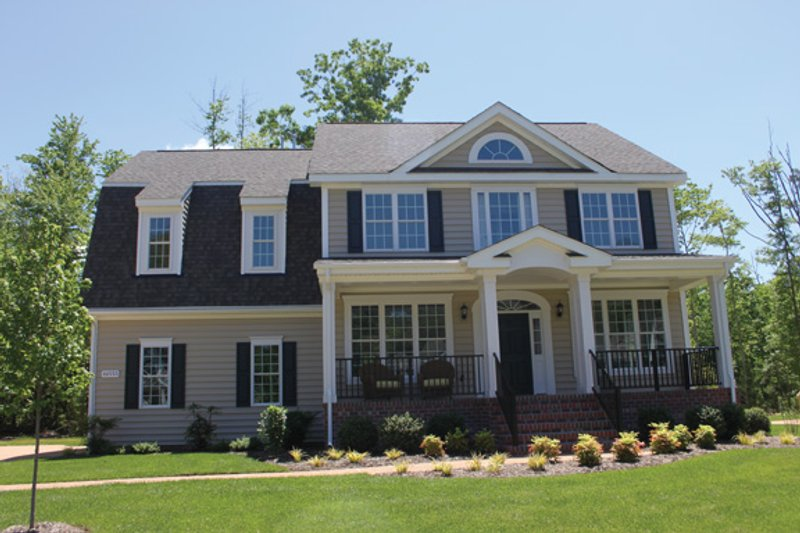 Colonial Exterior - Front Elevation Plan #927-783