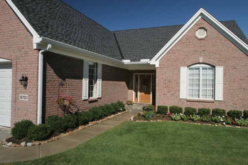 Ranch Exterior - Front Elevation Plan #46-704 - Houseplans.com