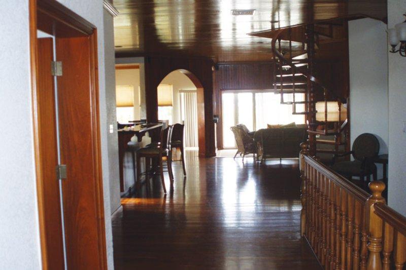 Country Interior - Entry Plan #64-265 - Houseplans.com