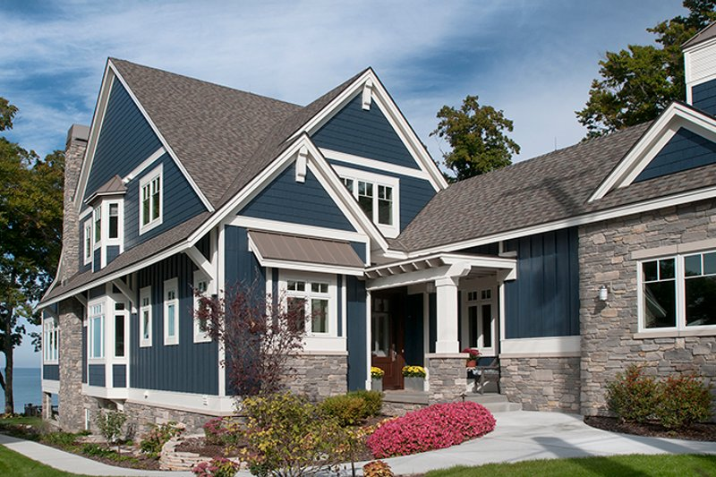 Craftsman Exterior - Front Elevation Plan #928-282