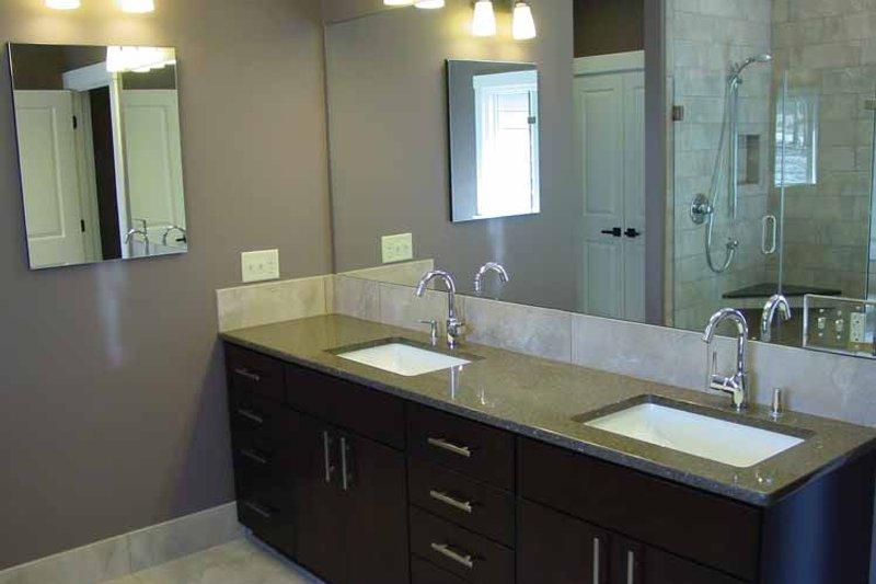 Craftsman Interior - Master Bathroom Plan #939-14 - Houseplans.com