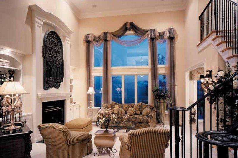 Country Interior - Family Room Plan #46-687 - Houseplans.com