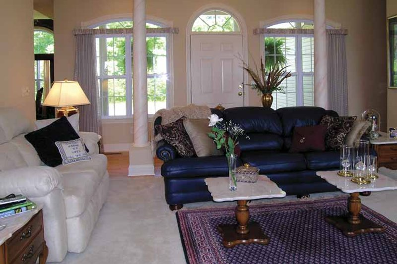Ranch Interior - Entry Plan #456-81 - Houseplans.com
