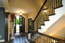 House Plan Design - European Interior - Entry Plan #928-28