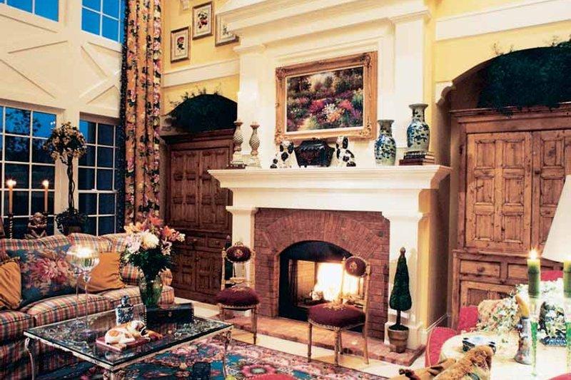 Colonial Interior - Family Room Plan #429-312 - Houseplans.com