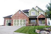 Craftsman Style House Plan - 4 Beds 3.5 Baths 2452 Sq/Ft Plan #20-2127 Exterior - Front Elevation