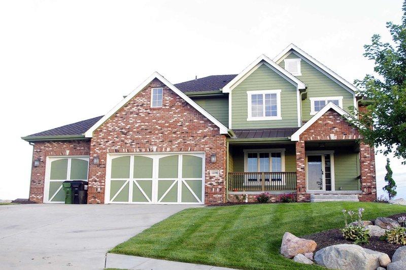 Craftsman Exterior - Front Elevation Plan #20-2127 - Houseplans.com